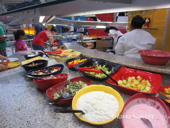 Chef-Mickeys-Buffet-8