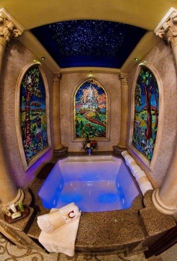 cinderella-castle-suite-bathroom-tub-4-L