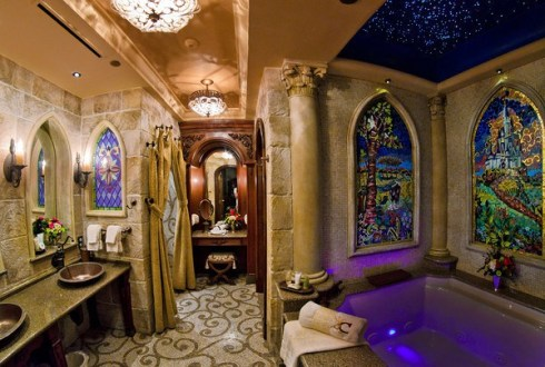 cinderella-castle-suite-bathroom-tub-M