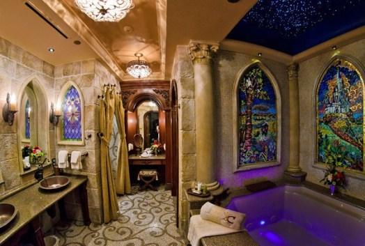 cinderella-castle-suite-bathroom-tub-M